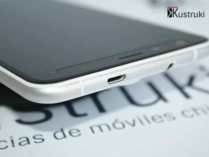 UleFone Be Touch 2 detalle microIUSB